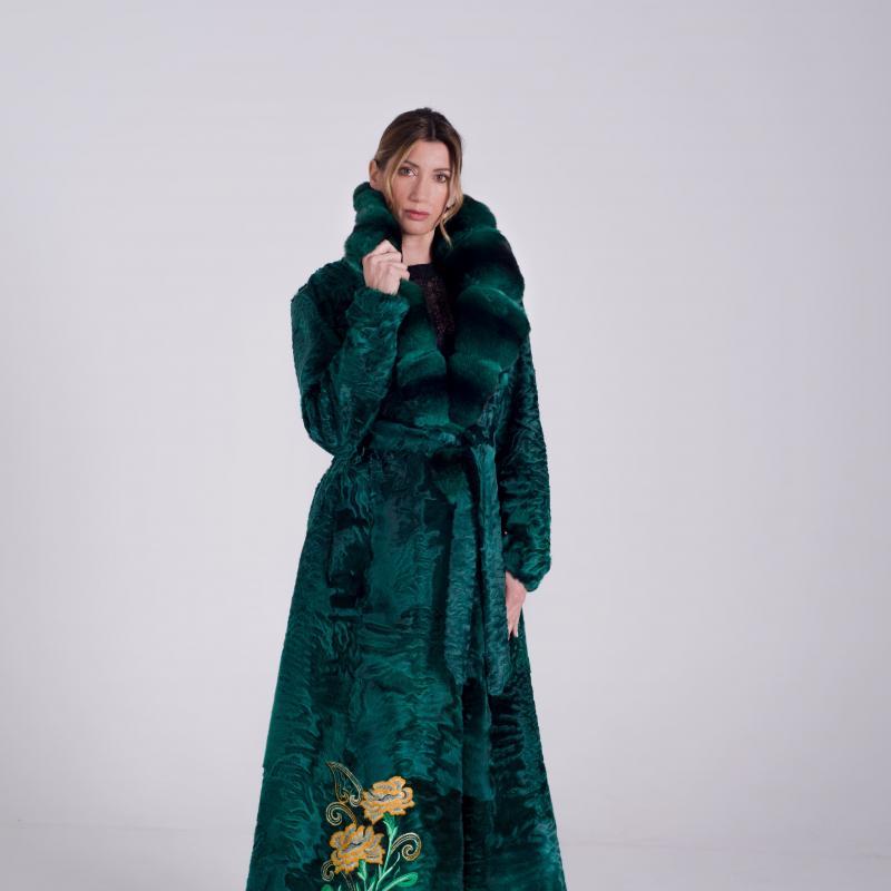 Cappotto in persiano verde con collo in Chinchillà