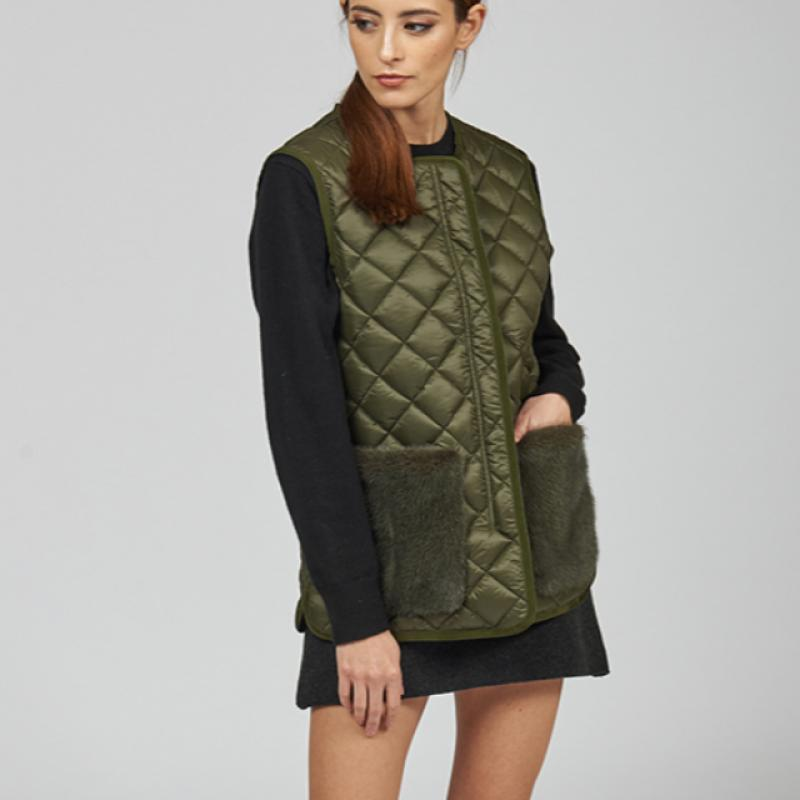 Quilted vest with mink pockets