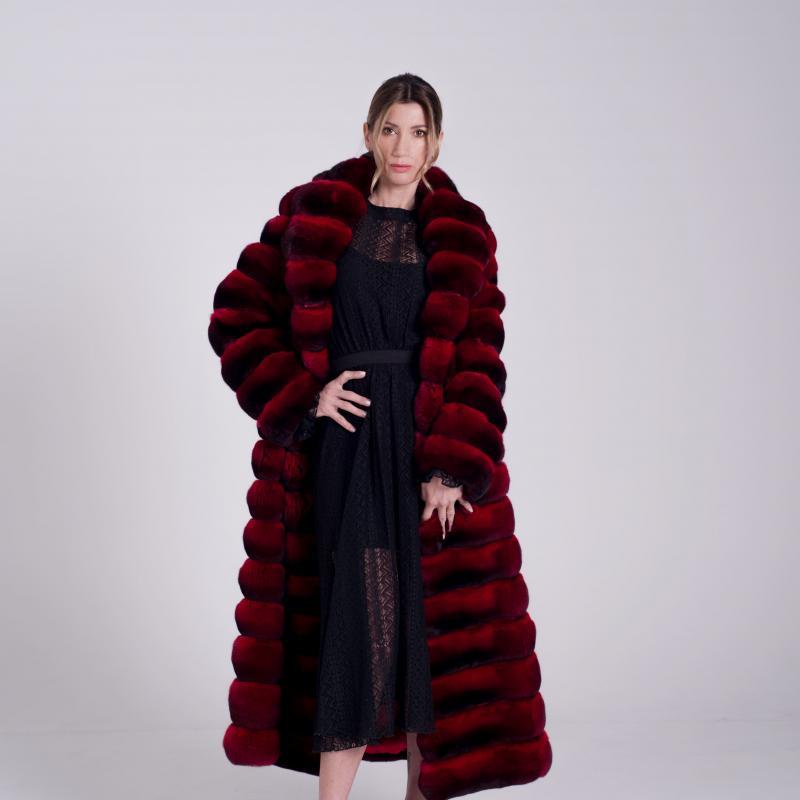 Long Fur coat in red Chinchillà