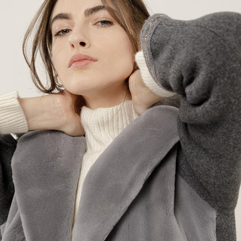 Coat mink / fabric with chinchilla collar