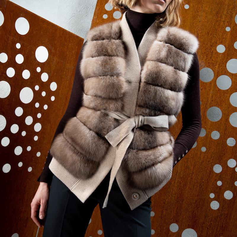 cachemire vest with sable L872XZ