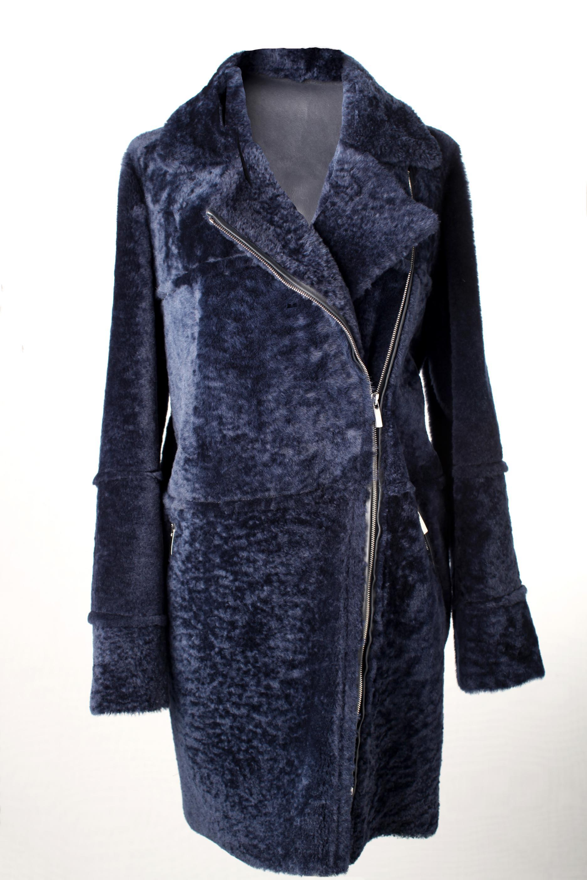 Merinillo semicurly blue silky 87cm